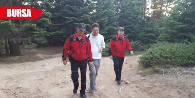 Uludağ'da kaybolan Koreli turisti jandarma kurtardı