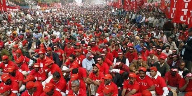 Hindistan'da 150 milyon işçi greve gitti
