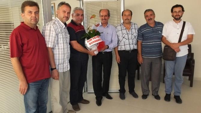 Burhaniye'de Müftü Öz'e Ziyaretçi Akını