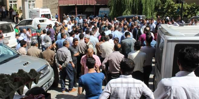 PKK yol kesti: 1 ölü, 1 yaralı