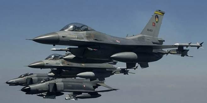 Türk savaş uçakları da katıldı