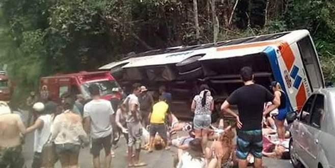 Otobüs uçuruma yuvarlandı: 15 ölü, 66 yaralı