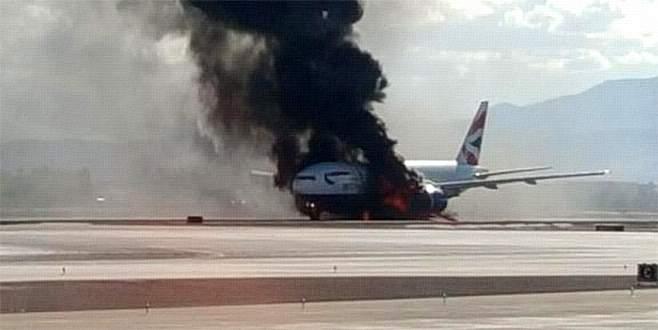 Motoru alev alan uçak alevler içinde kaldı