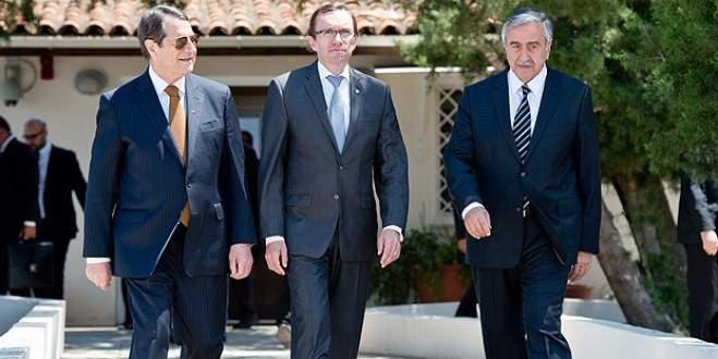 Ara bölgede Kıbrıs'ı konuştular