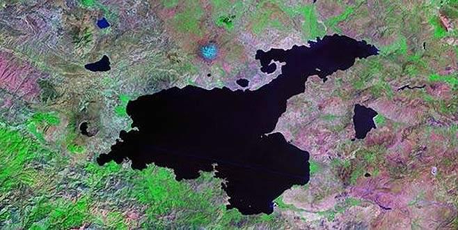 İran Van Gölü'nden su taşıyacak