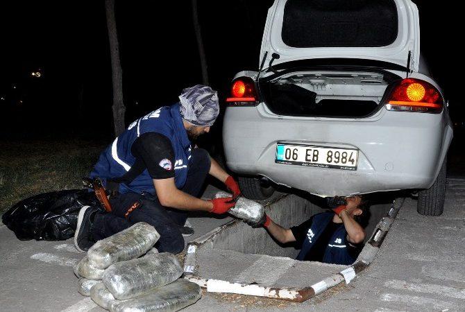 Otomobilin Tamponlarından Esrar Çıktı