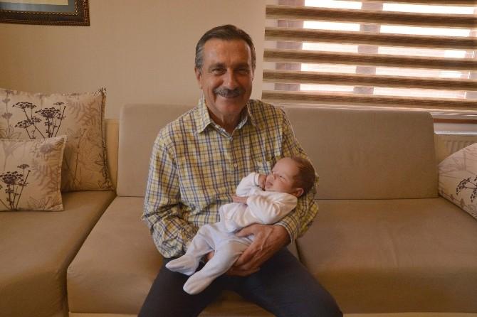 Başkan Ataç'ın Bebek Ziyaretleri Sürüyor