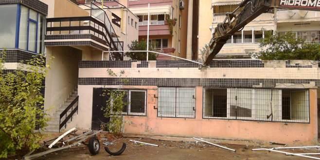 Dayanıksız binalara yıkım
