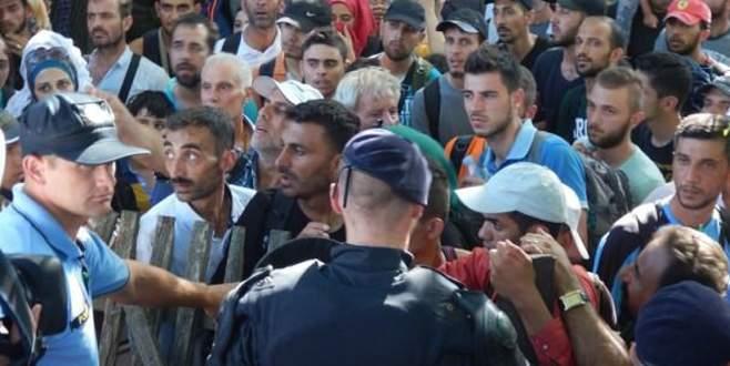 Röszke-Horgoş Sınır Kapısı kapatıldı