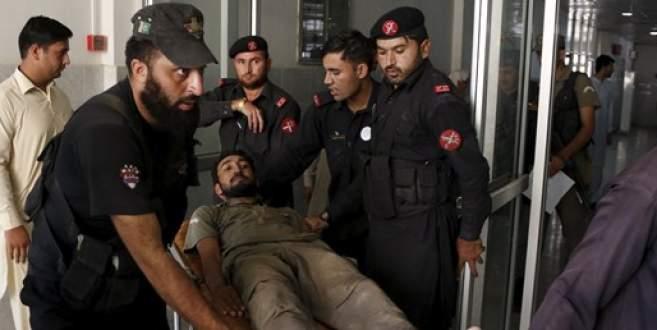 Pakistan'da hava üssüne saldırı