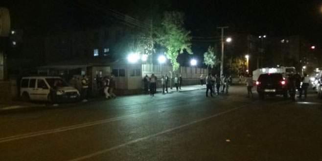 Çevik Kuvvet'e bombalı saldırı