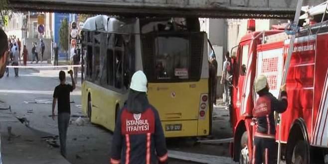 Polisleri taşıyan otobüs alt geçide çarptı: 8 yaralı