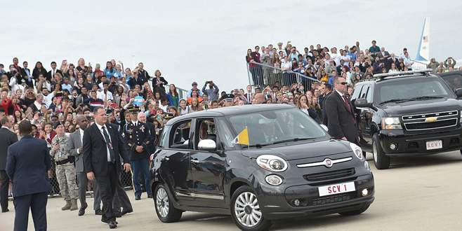 Papa Fiat 500L kullanınca…