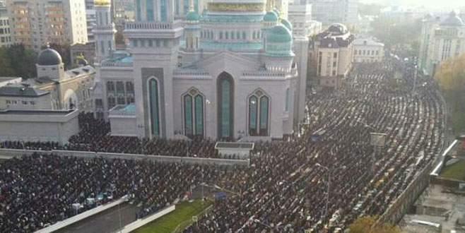 Moskova'da bayram sabahı