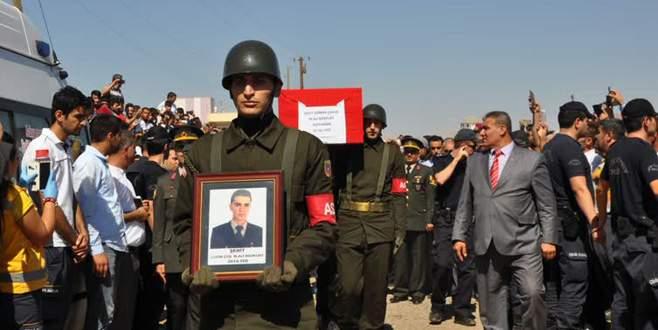 Şehit uzman çavuş Kürtçe ağıtlarla uğurlandı