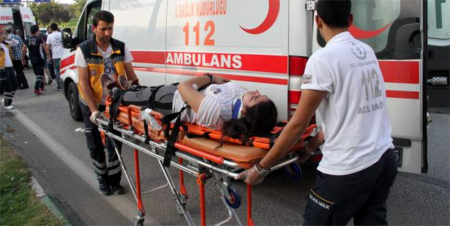 Bursa'da piknik yolunda zincirleme kaza: 3 yaralı