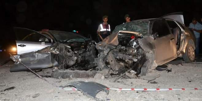 Düğün yolunda feci kaza: 3 ölü, 4 yaralı