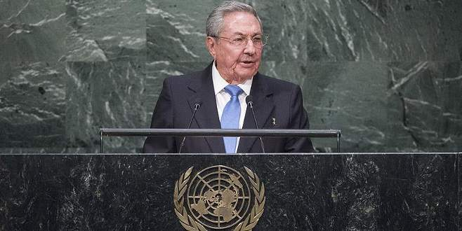 Castro küresel güçleri eleştirdi