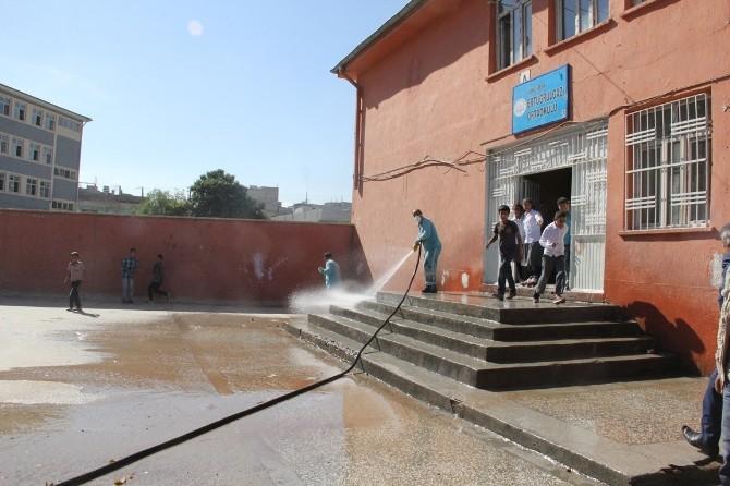 Eyyübiye Belediyesi, Okullarda Temizlik Çalışması Başlattı