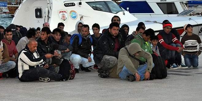 112 sığınmacı boğulmak üzereyken kurtarıldı