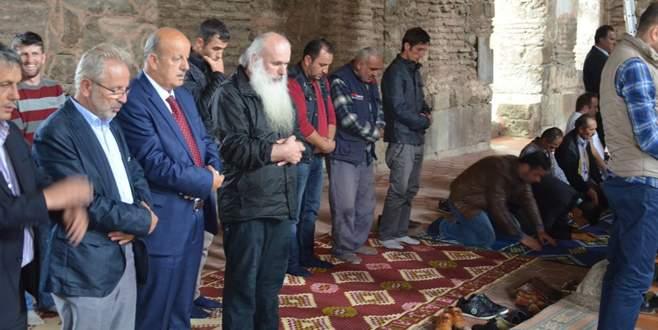 Başpiskopos Ayasofya'da cuma namazı kıldı
