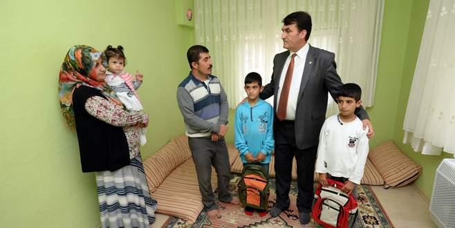 Dündar'dan yangın mağduru aileye destek