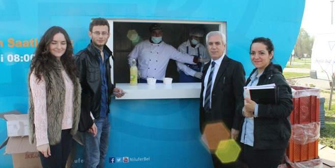 Nilüfer'in çorba dağıtımı Görükle'de devam ediyor