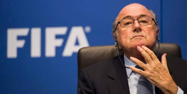 Blatter'e derhal çekil çağrısı