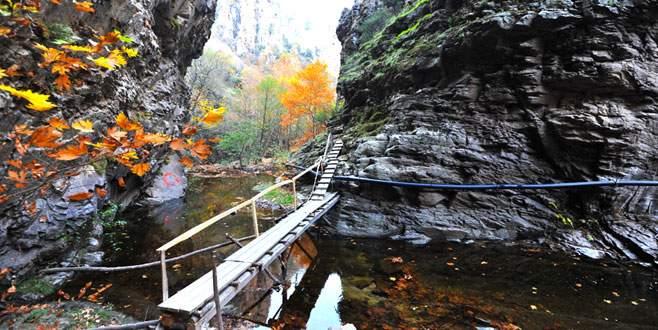 Gizli kanyona ünlü akını