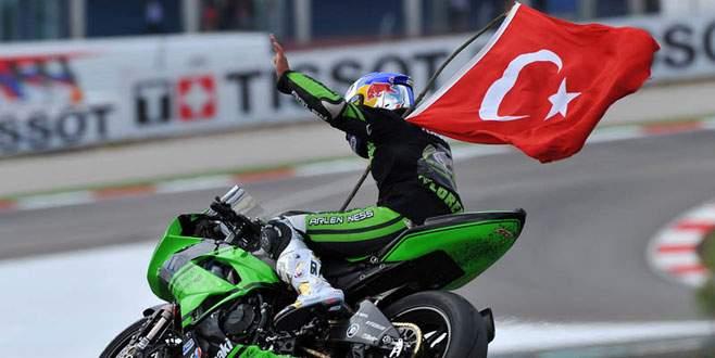 Kenan Sofuoğlu 4. kez dünya şampiyonu oldu
