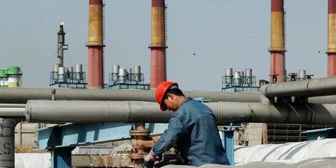 Petroldeki düşüş Körfez'de bütçe dengesini bozuyor