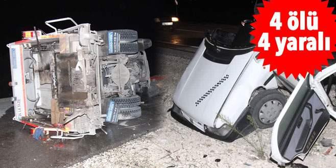 Feci kaza! Otomobille çöp kamyonu çarpıştı
