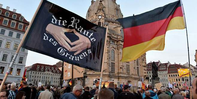 Almanya'da İslam karşıtı gösteri