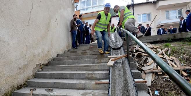 Merdivenler taraklı mozaikle kaplanıyor