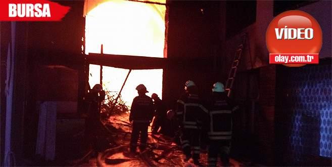 Kapalıçarşı'daki büyük yangının kamera görüntüleri
