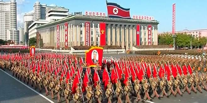 Kim'den gövde gösterisi