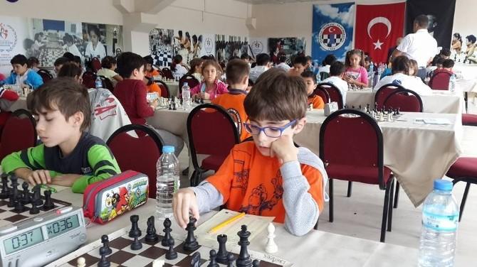Manisa'da Satranç Turnuvası