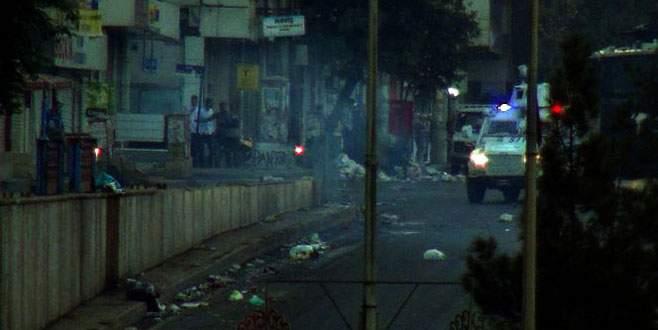 Polis ekiplerine bombalı saldırı!