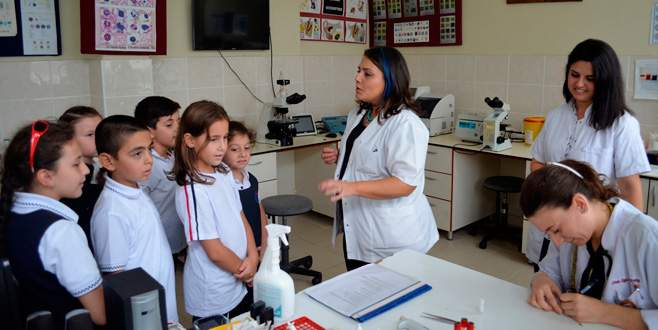 Öğrencilerden hayvan hastanesine ziyaret
