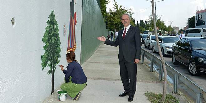 Bursa'nın caddeleri ressamlara emanet