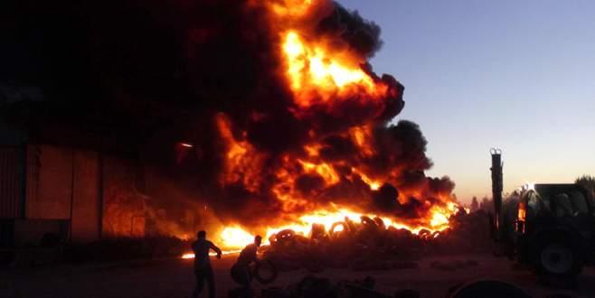 Uşak'taki yangın kontrol altına alınamıyor