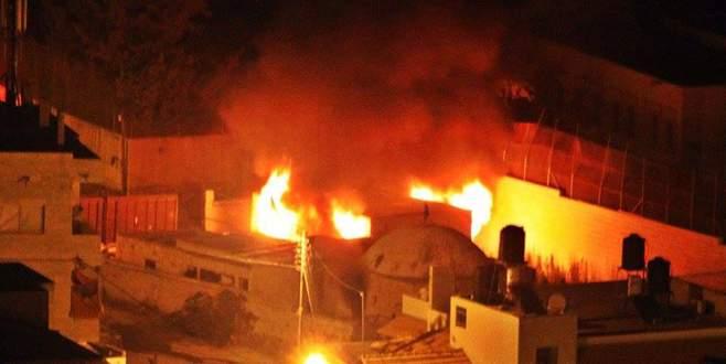 Filistinliler türbeyi ateşe verdi