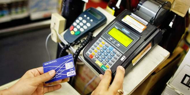 Kredi hız kesti kartla peşin alışveriş arttı