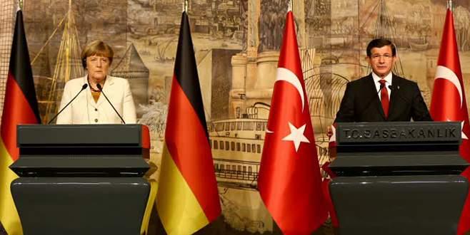 'Türk vatandaşlarına Schengen uygulamasının başlaması lazım'