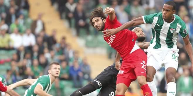 Bursaspor'da düzen bir türlü oturmadı