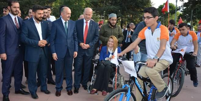 AK Parti'li gençlerden bisikletli propaganda