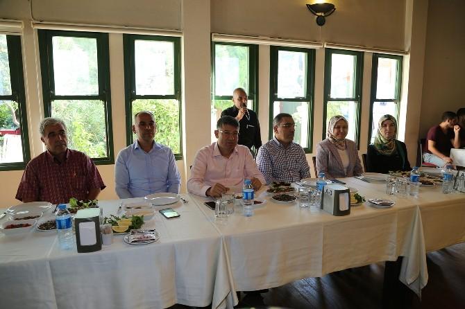Çelikcan AK Parti Yüreğir Teşkilatı İle Yemekte Buluştu