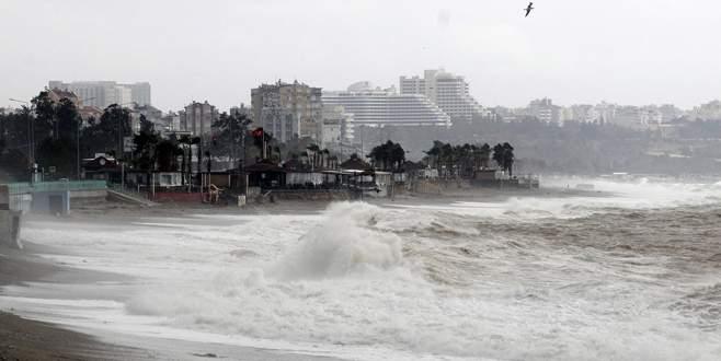 Fırtına uyarısı sonrası okullar tatil