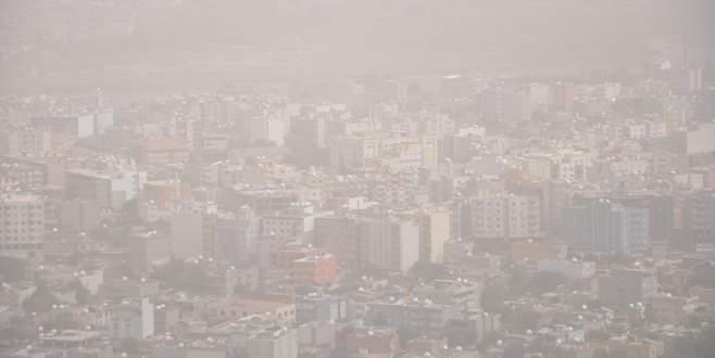 Toz bulutları 3 şehri esir aldı