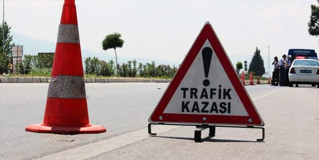 Düğün konvoyunda kaza: 2 ölü, 12 yaralı